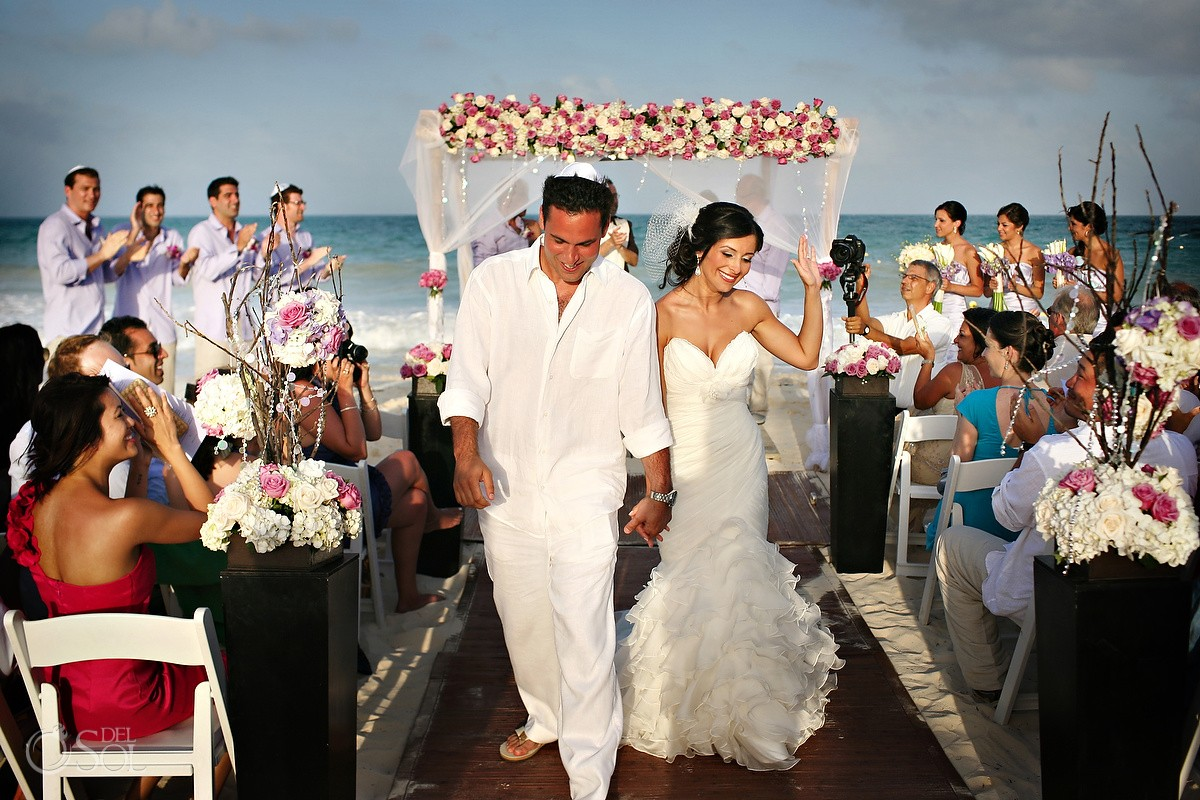 Wedding Rosewood Mayakoba beach ceremony