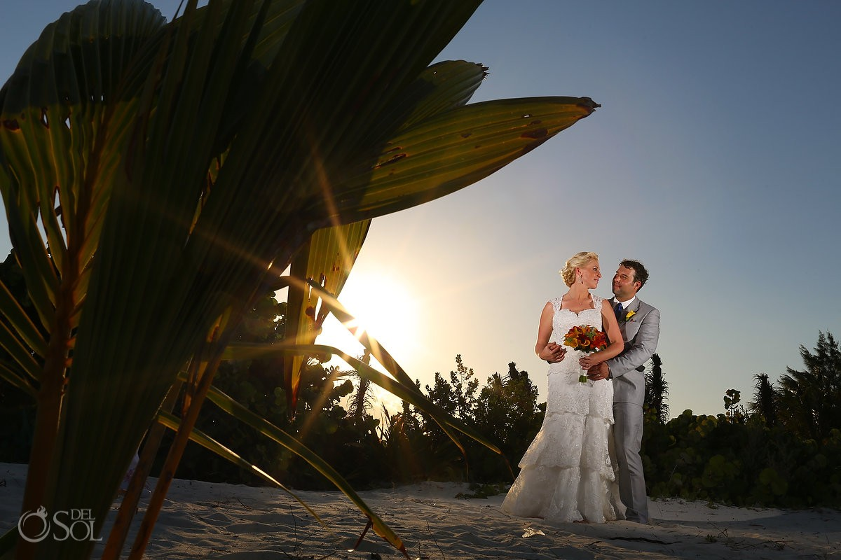 Riviera Cancun Wedding Secrets Capri bride and groom