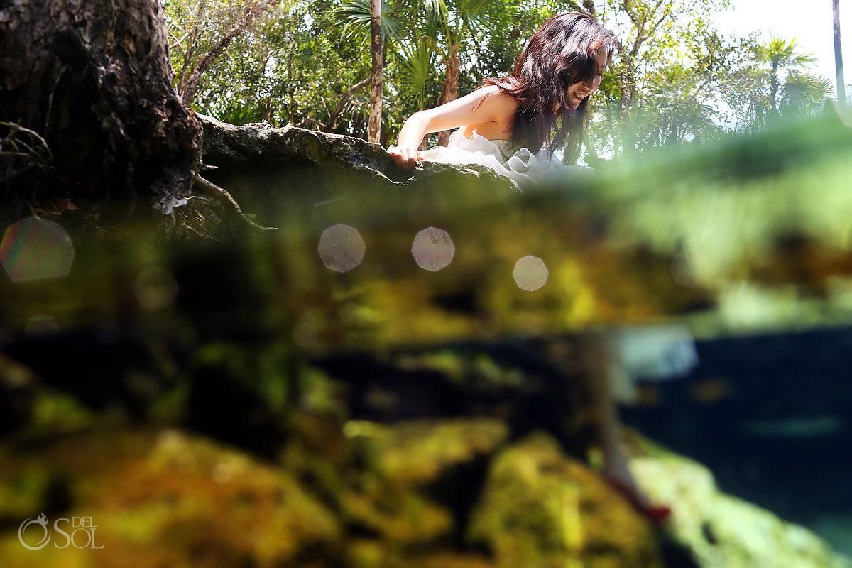 Trash the dress underwater Riviera Maya cenote Mexico Del Sol Photography