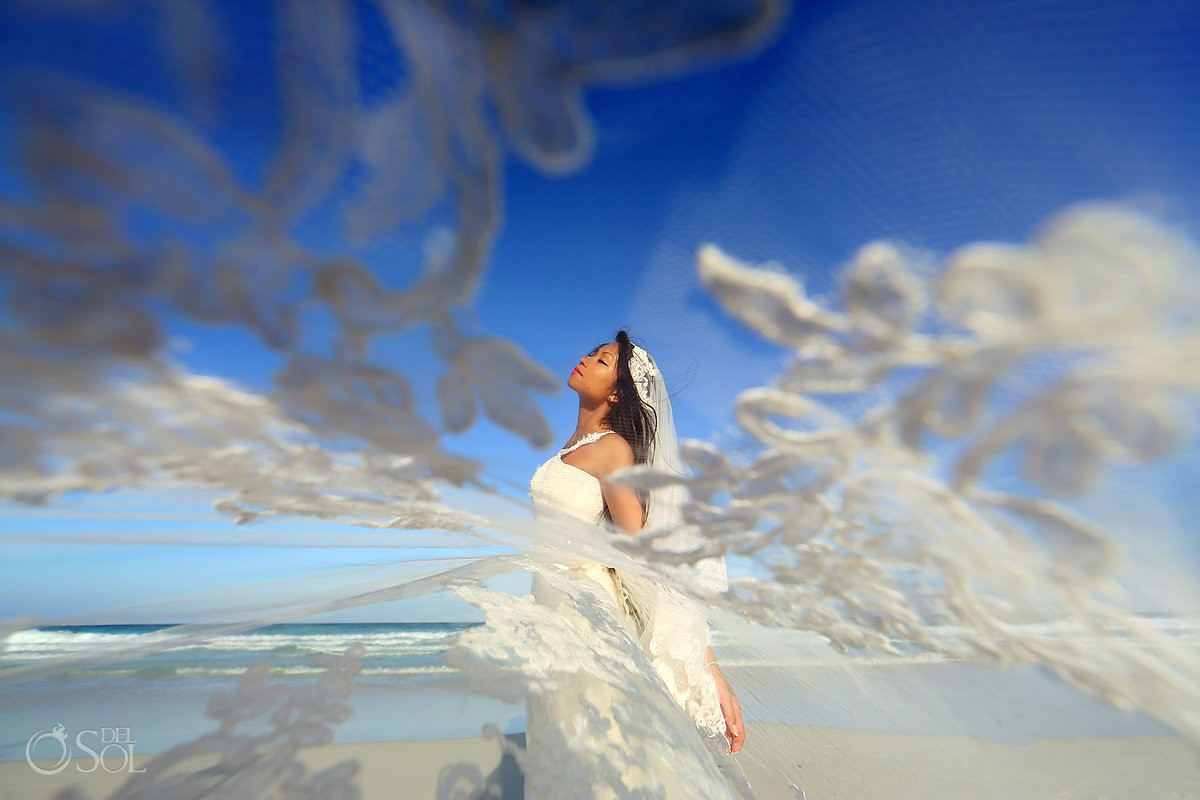 Huffpost weddings 30 Drop-Dead Gorgeous Bridal Portraits Live Aqua Cancun, Mexico.
