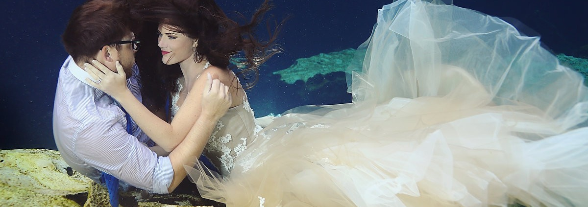 Perfect dress for underwater trash the dress photography playa del carmen mexico