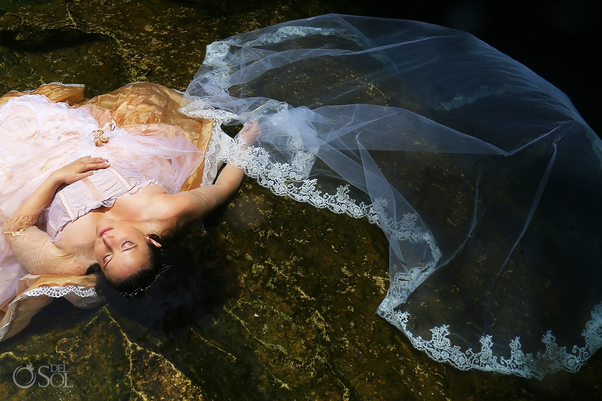 Underwater photography bride trash the dress cenote Riviera Maya