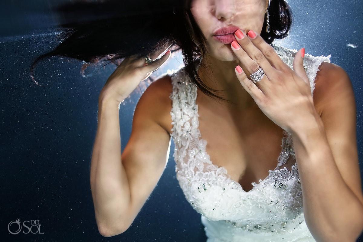 Underwater bride trash the dress cenote Riviera Maya Mexico Del Sol Photography