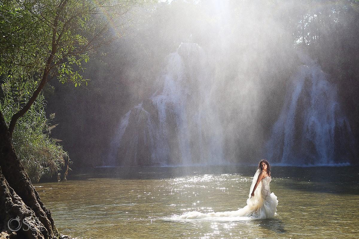 waterfall bride trash the dress workshop San Luis de Potosi wedding