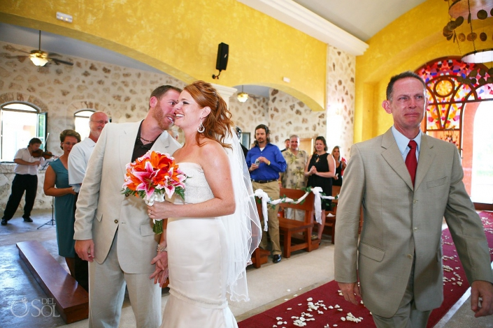 Favorite father and daughter wedding moments photobombs