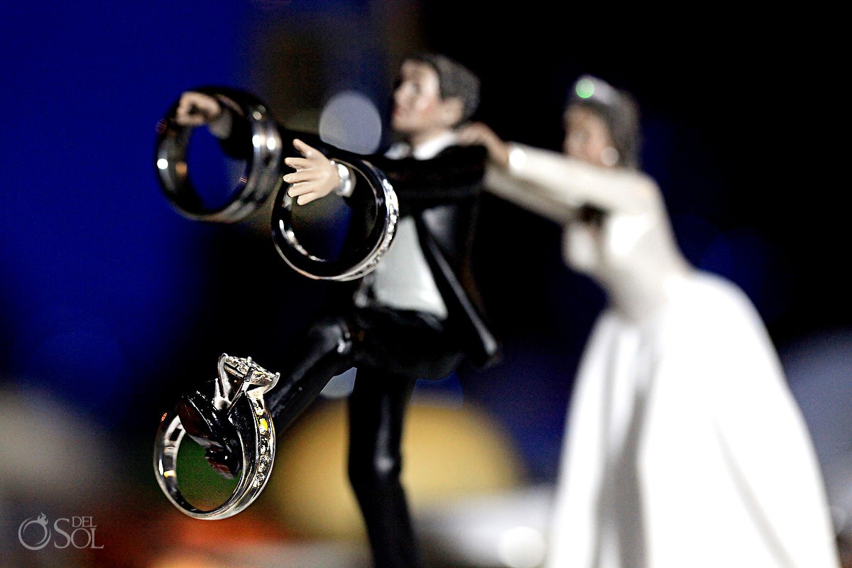 Wedding Ring Cake topper runaway groom