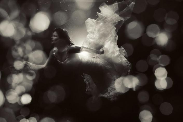 Underwater bride cenote trash the dress Riviera Maya