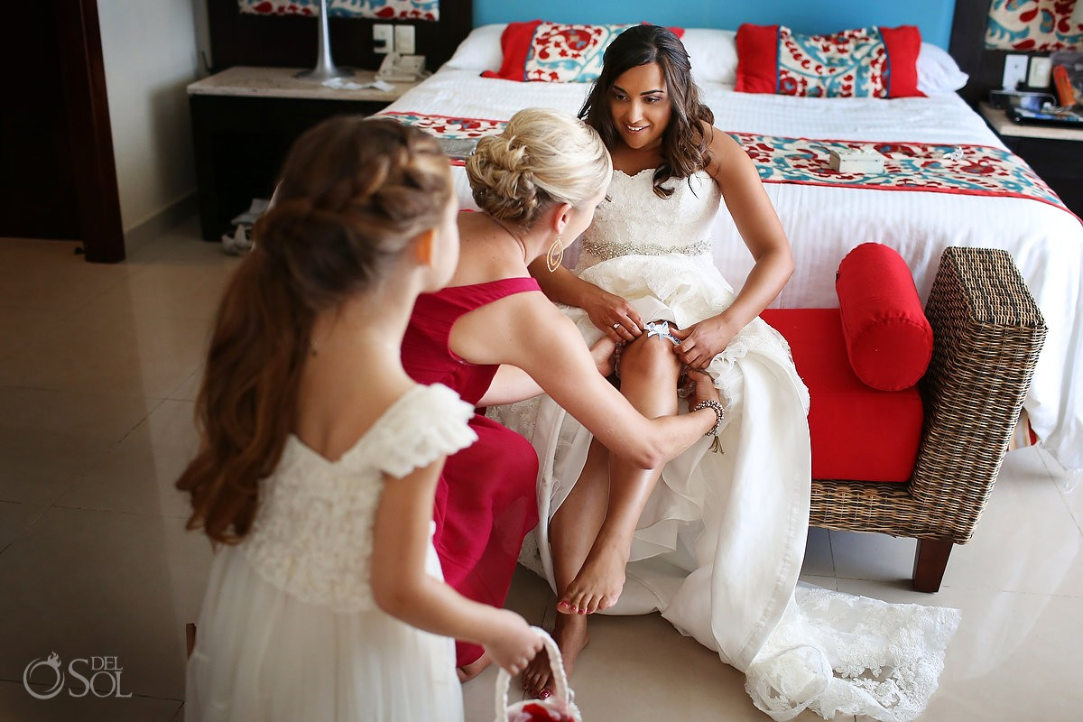 Destination wedding Now Jade bride getting ready