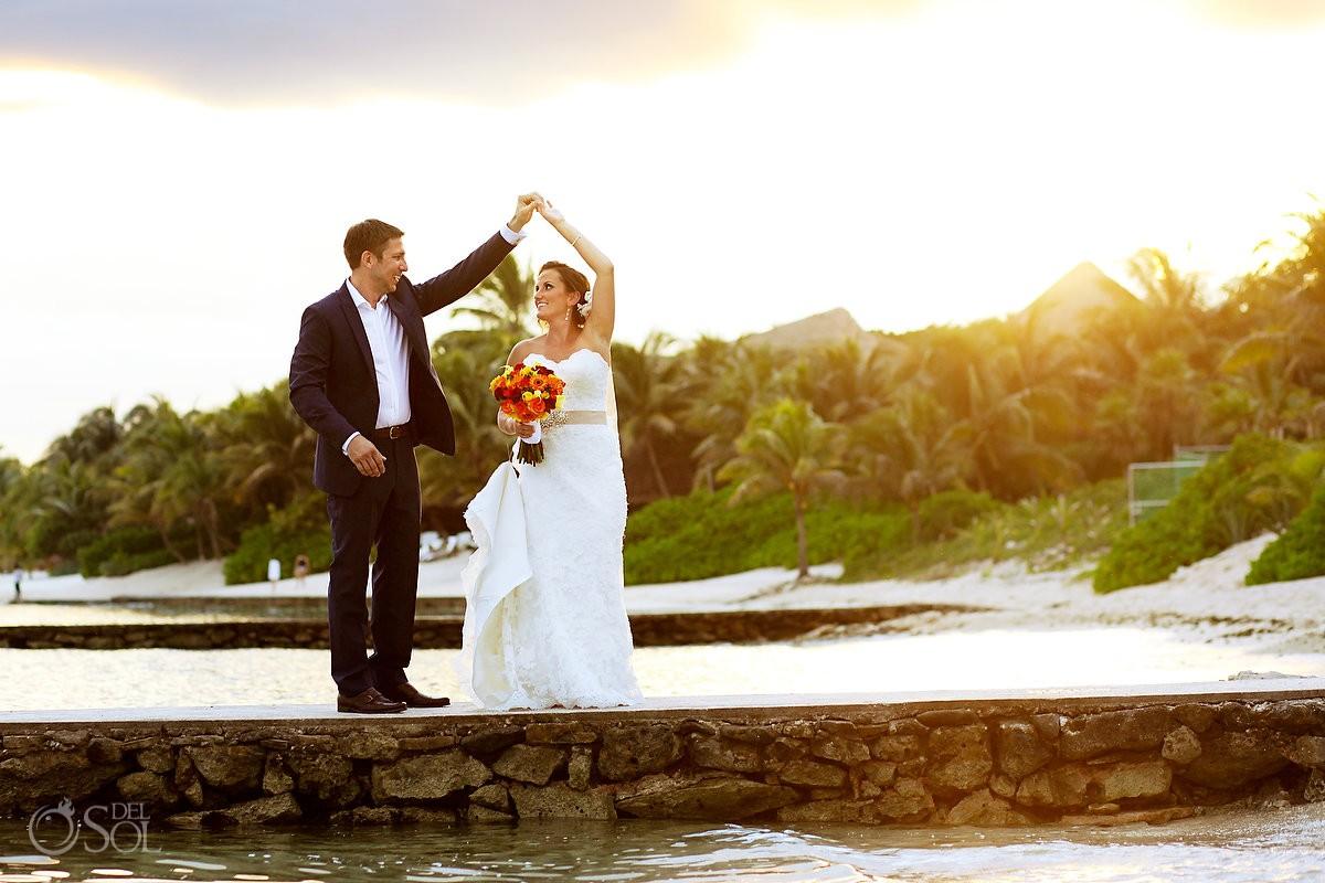 Bride and Groom Hacienda Del Mar Puerto Aventuras Wedding