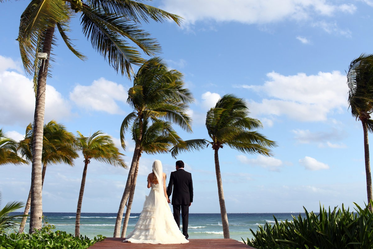 luxury resort destination wedding at grand velas riviera maya