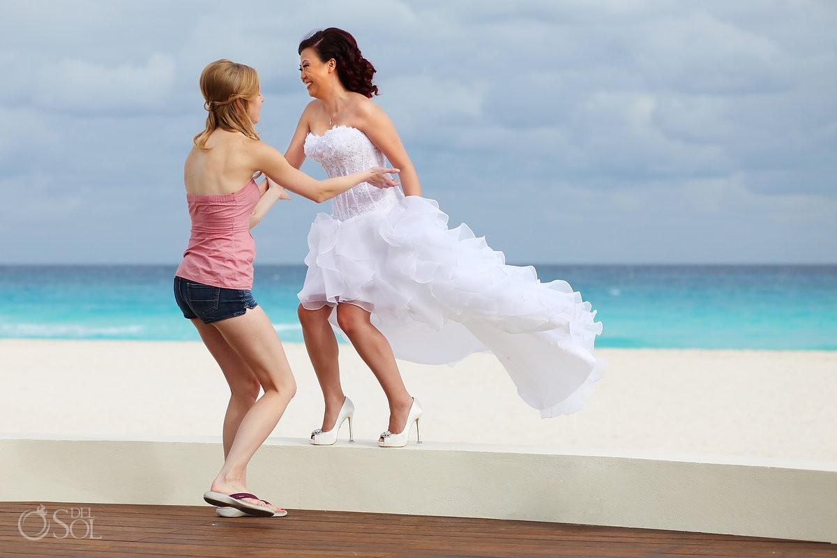 Destination wedding Iberostar Cancun bride beach