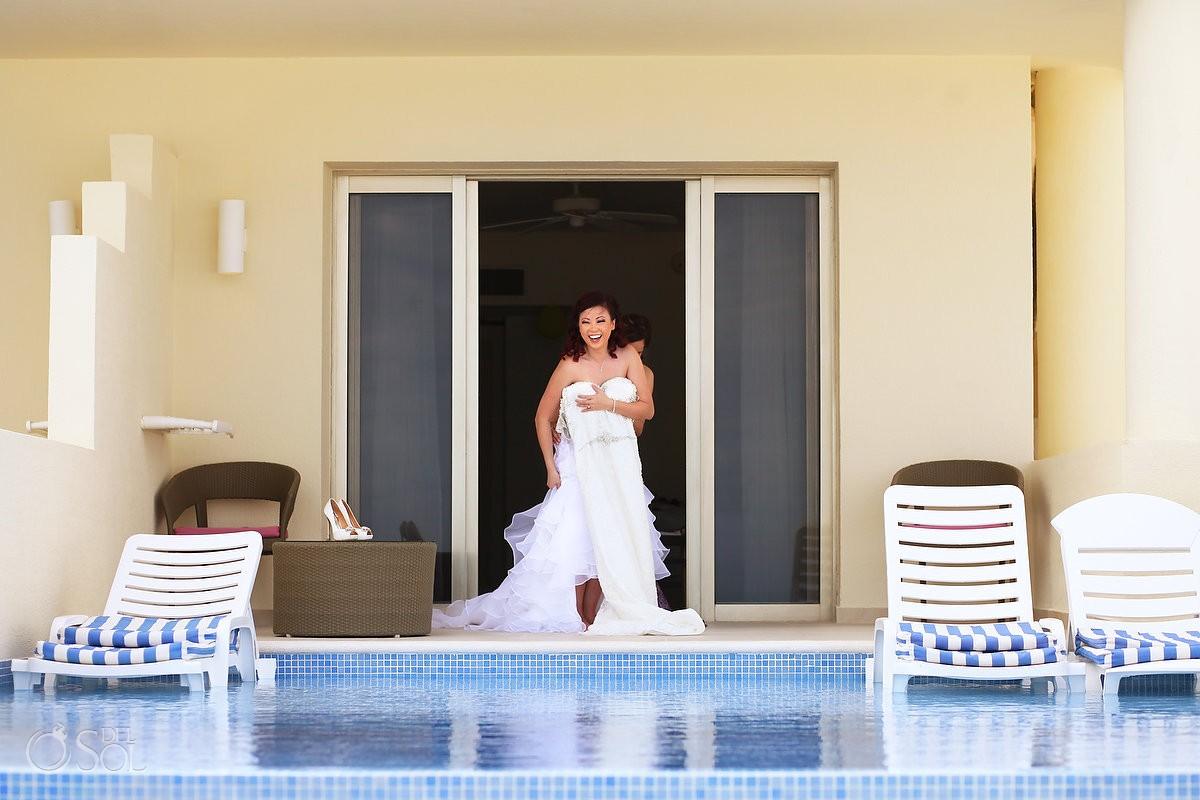 Destination wedding bride Iberostar Cancun getting ready pool