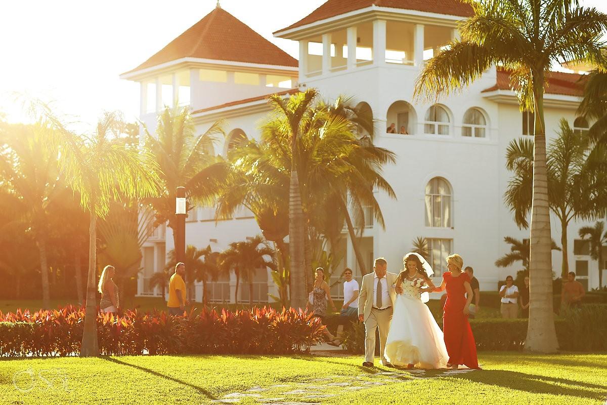 Playa del Carmen wedding bride entrance garden Riu Palace Mexico