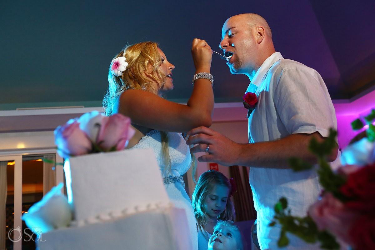 Now Jade wedding cake