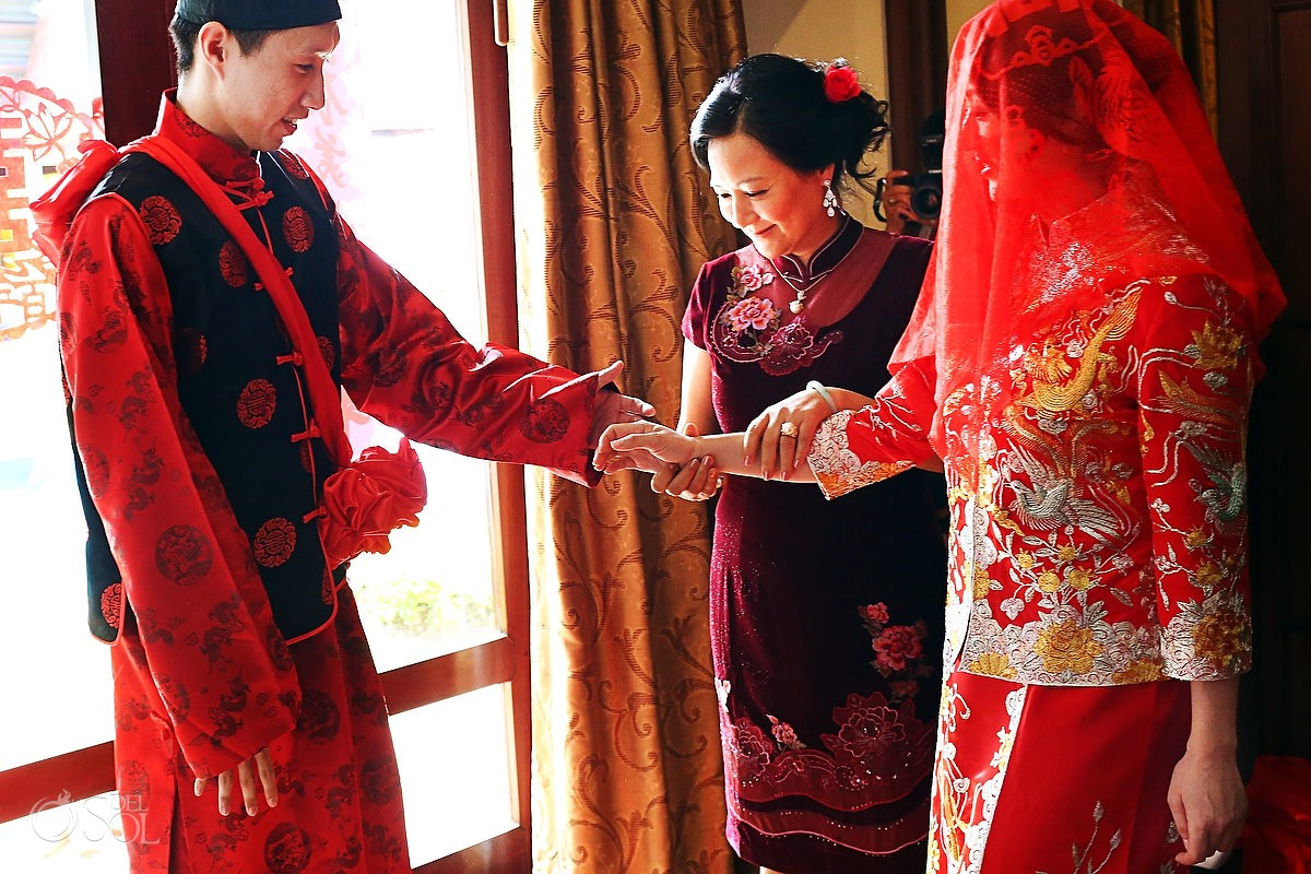 Chinese cultural wedding clothing for a destination wedding in Koh Samui Thailand