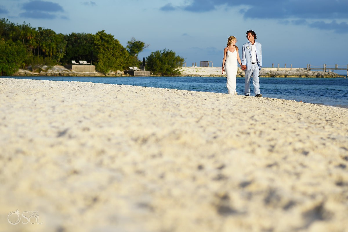 Beach wedding photography at NIZUC Resort Cancun