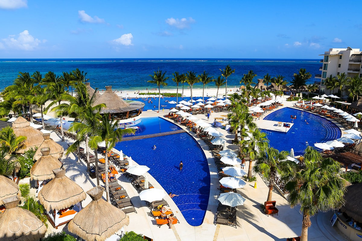 dreams riviera cancun pool and ocean veiw