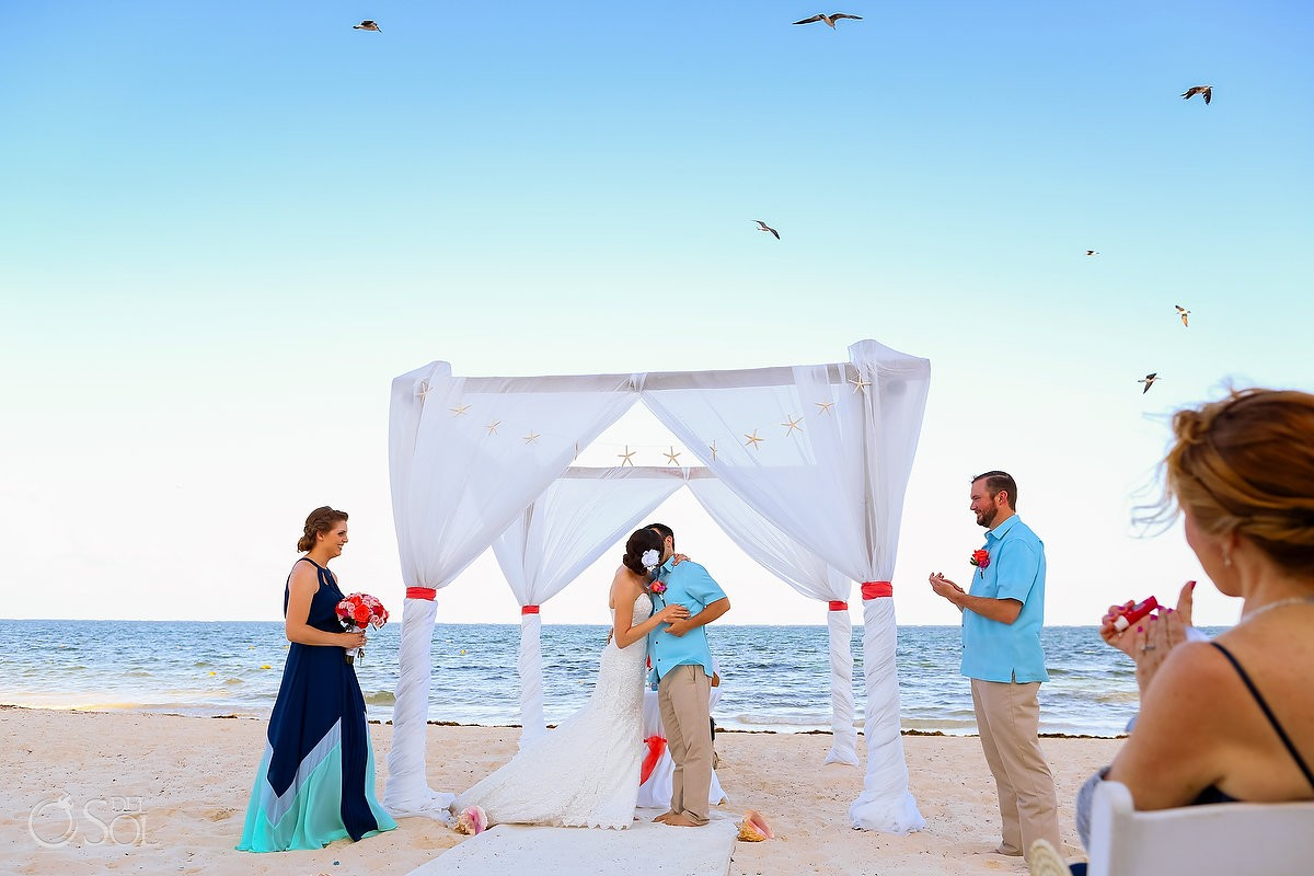 Destination wedding at Dreams Riviera Cancun Resort