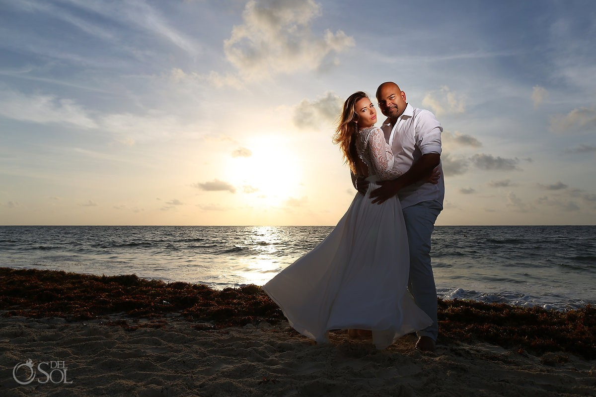 Couples portrait photo at the Royalton Riviera Cancun