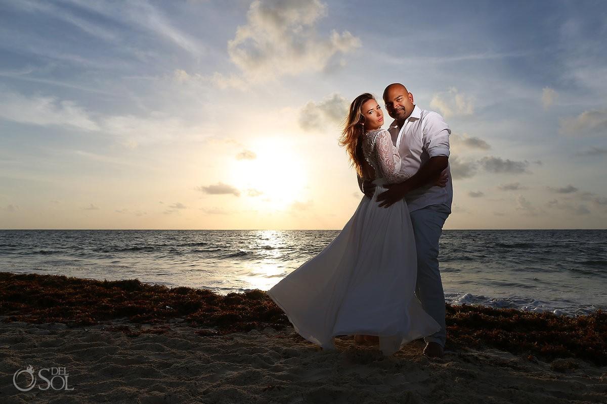 Couples portrait photo at the Royalton Riviera Cancun
