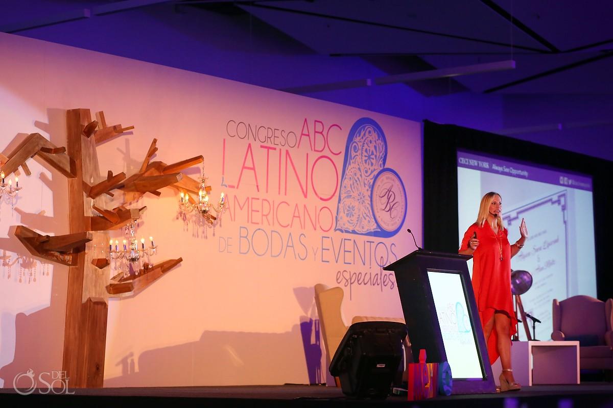 Ceci Johnson presenting at the ABC Congreso de Bodas Wedding Convention in Merida