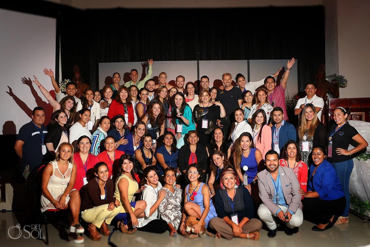 group photo from the ABC Congreso Bodas Wedding Convention
