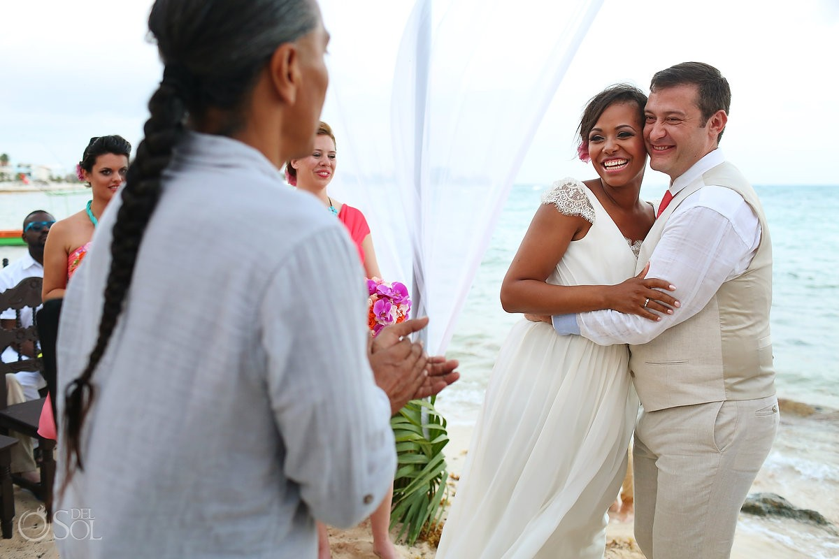 Beach wedding at La Buena Vida restaurant in Akumal, Riviera Maya