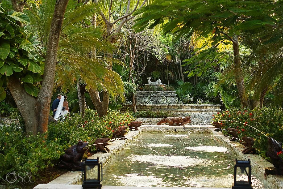 Destination wedding photo in the gardens of belmond maroma resort