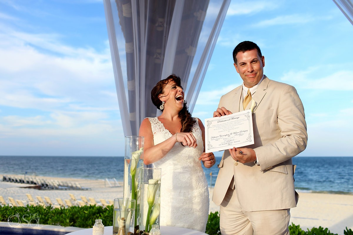 Del Sol Photography is a preferred vendor at Dreams Riviera Cancun Weddings for luxury photo and video services.