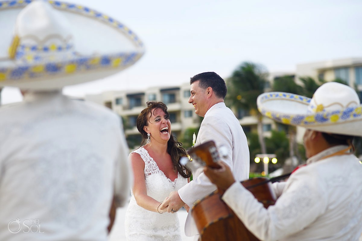 Del Sol Photography is a preferred vendor for Dreams Riviera Cancun Wedding