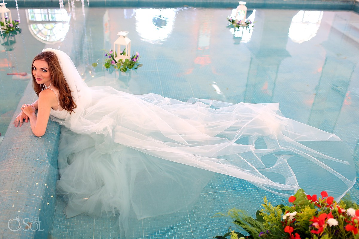 Bridal trash the dress Indoor pool hacienda Teya Yucatan Mexico #ExperienciasInfinitas