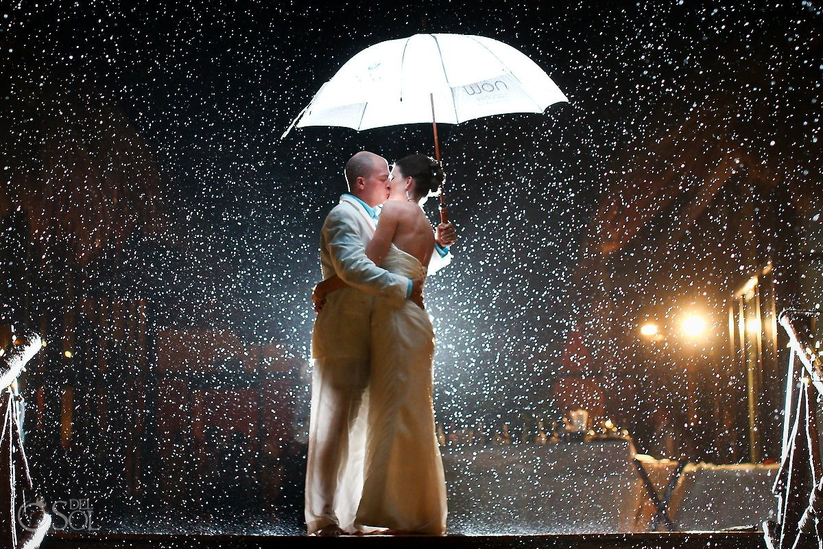 Rain wedding portrait umberella night Now Sapphire hotel Riviera Cancun Mexico