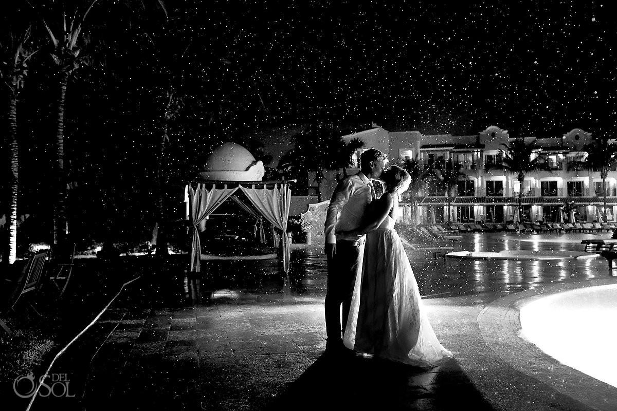 secrets capri rainy fun wedding photos