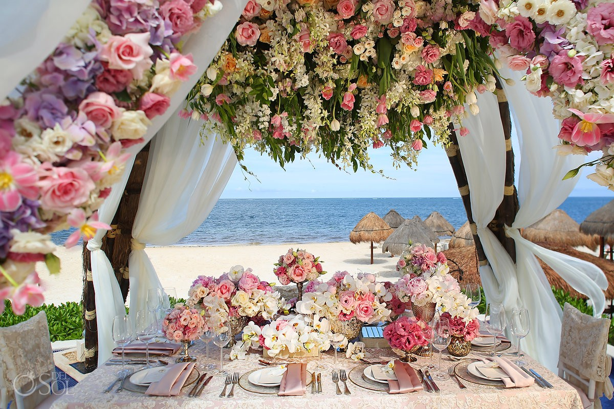 Karen Tran floral set-up at Dreams Riviera Cancun Resort - del Sol Photography.