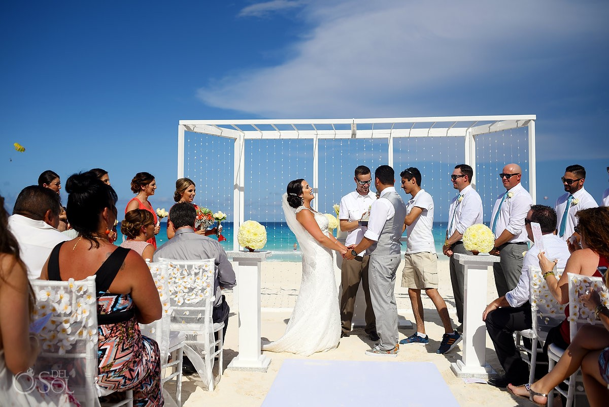 Destination wedding photography at the Hard Rock Cancun Resort