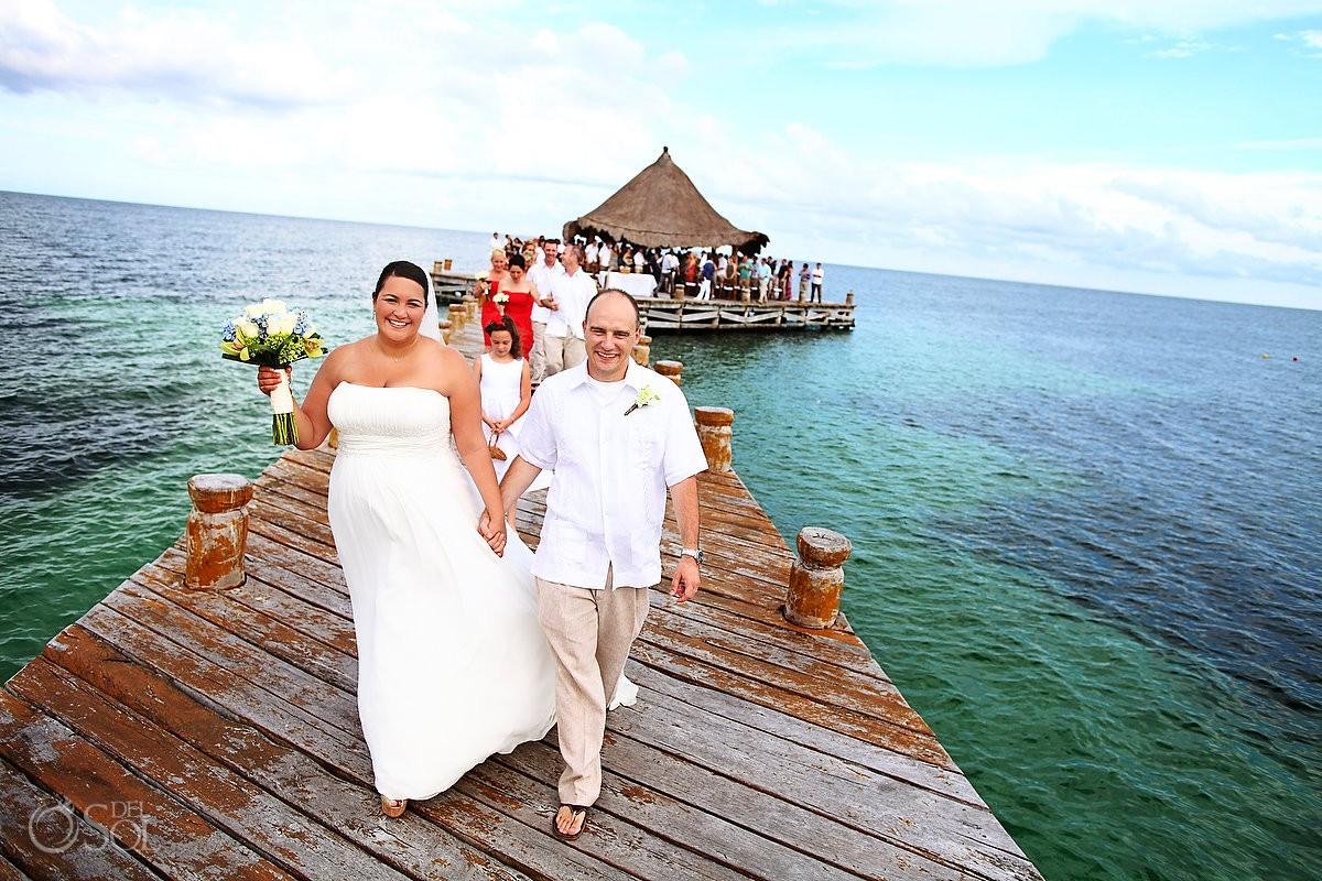 behind the scenes destination wedding photobomb
