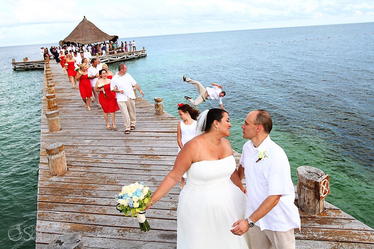 behind the scenes of a destination wedding photobomb
