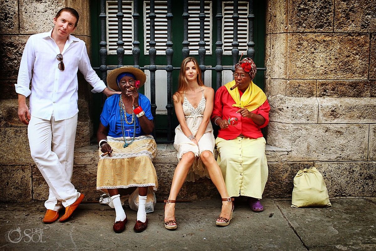 Honeymoon destination photography in Havana, Cuba