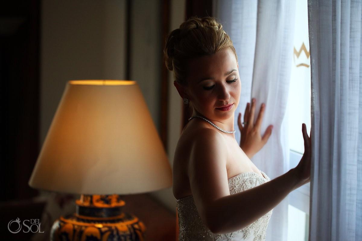 Bride portrait Hotel Riu Palace Las Americas, Cancun, Mexico.