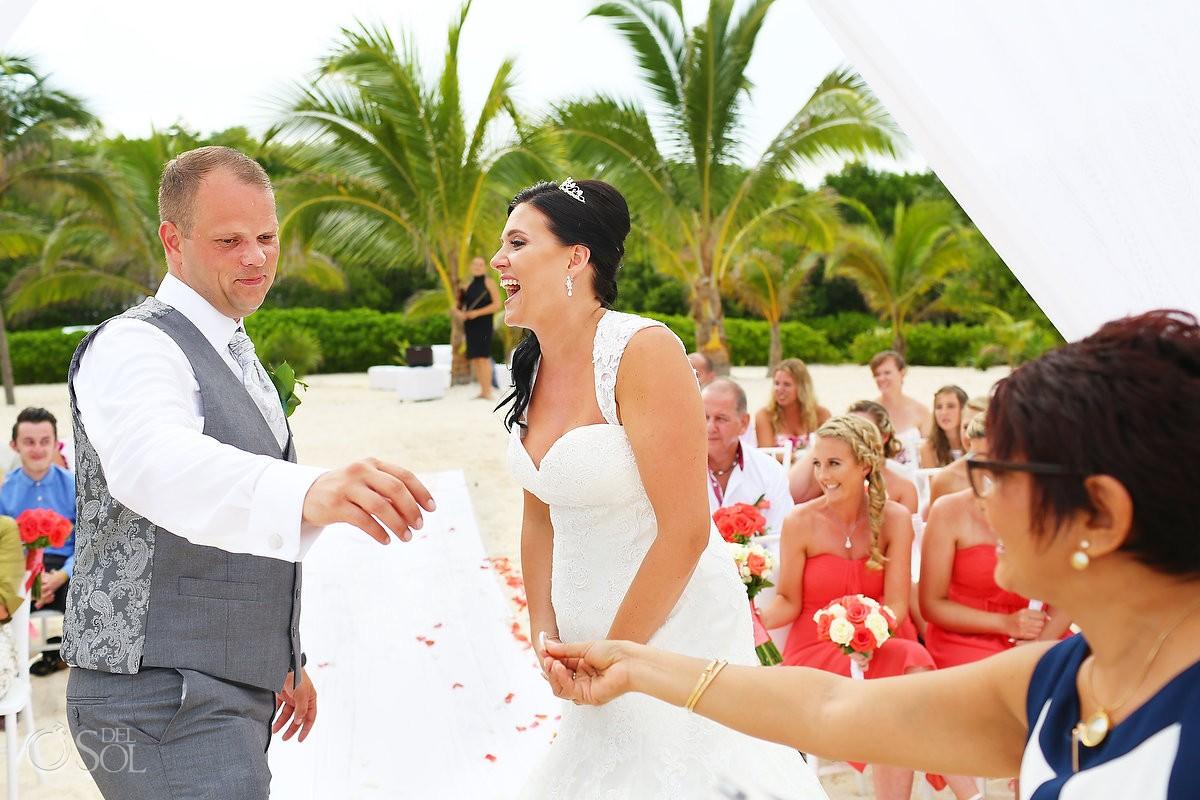 Bride and groom wedding at Grand Coral Beach Club, Playa del Carmen, Mexico