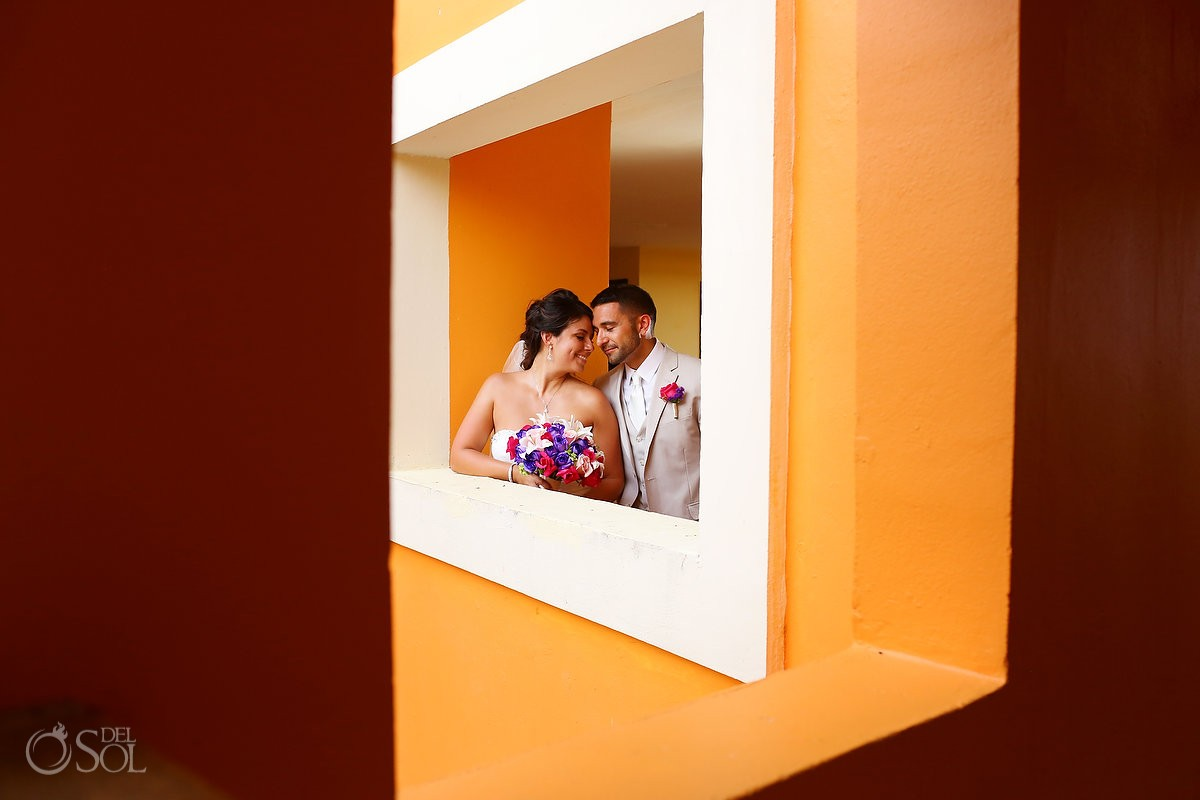Bride and groom at Ocean Coral and Turquesa, Puerto Morelos