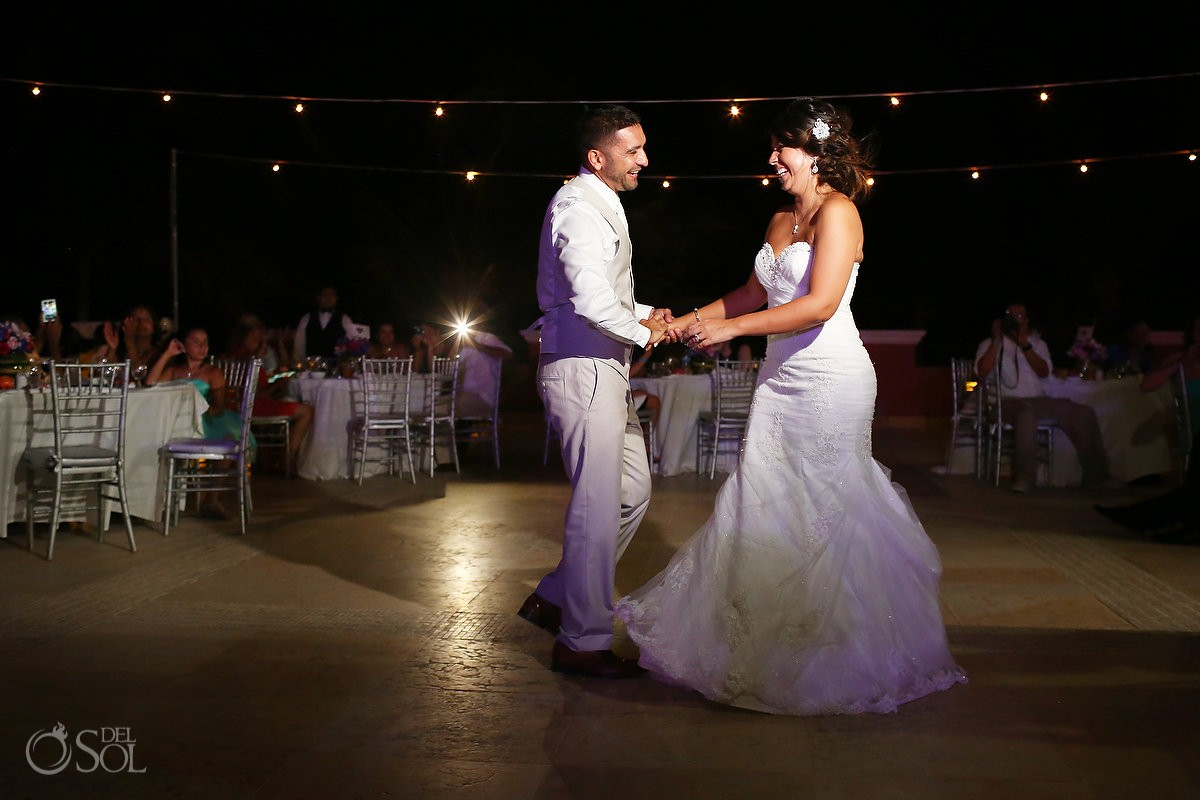 First Dance of bride and groom at Ocean Coral and Turquesa, Puerto Morelos
