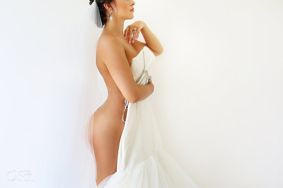 Sexy nude Bride boudoir portrait wedding dress veil, Playa del Carmen, Mexico