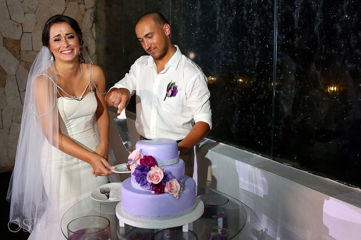 colorful wedding cake cutting playa del Carmen Mexico