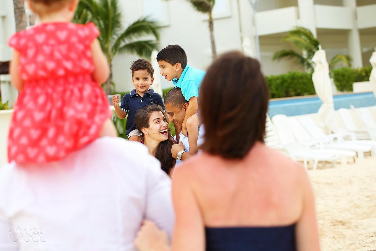 Family portrait photography Playa Paraiso, Riviera Maya, Mexico.