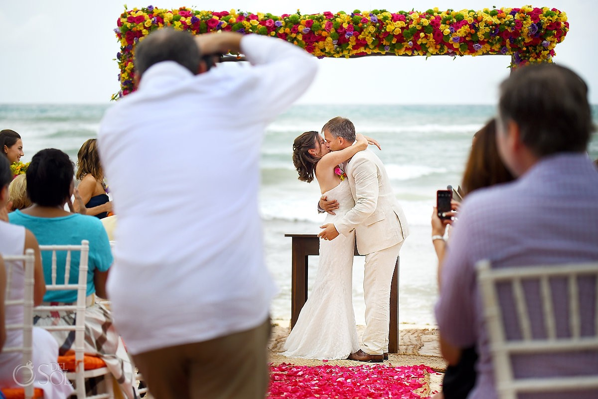 first kiss during wedding ceremony at hotel esencia