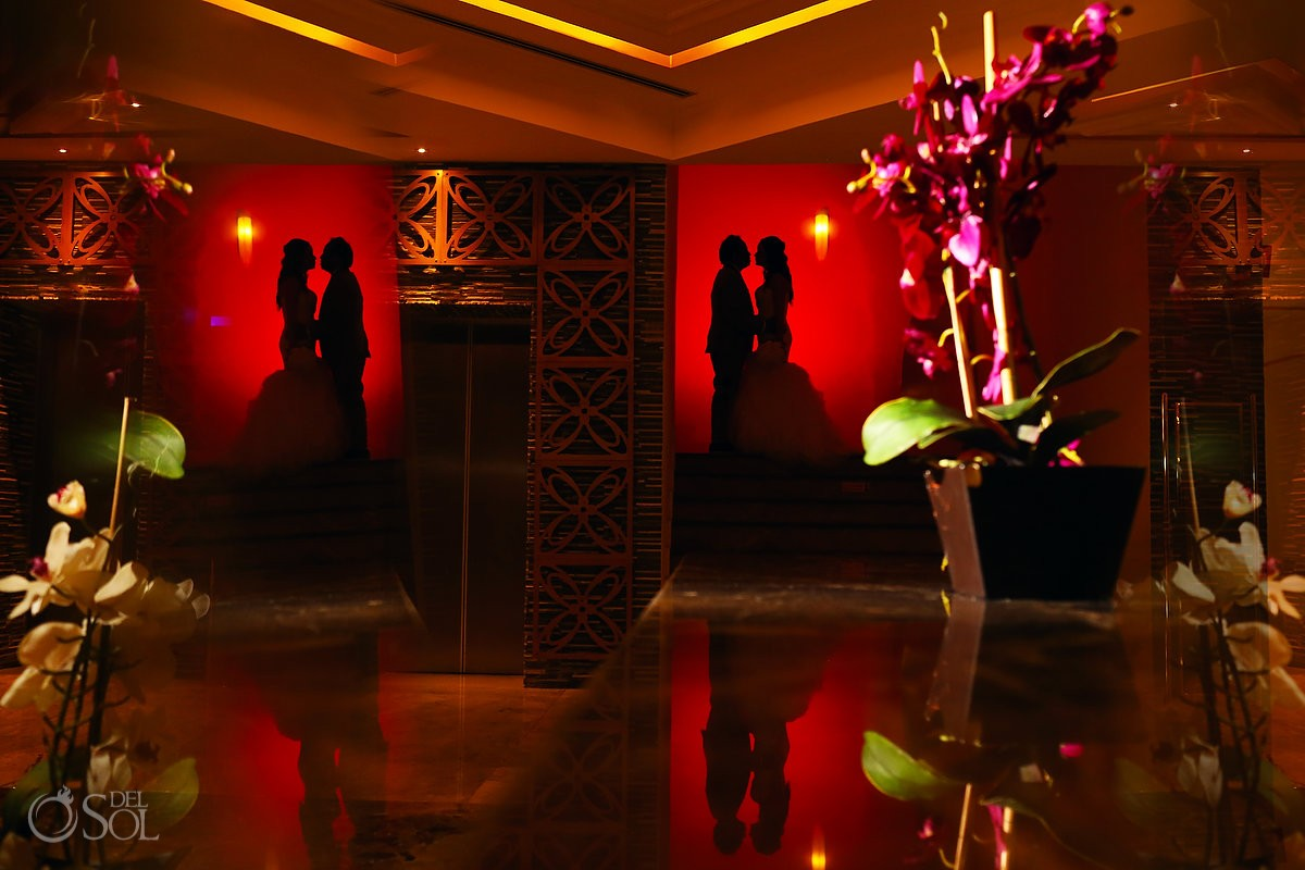 Wedding portrait mirror reflection silouhette red, Moon Palace, Cancun, Mexico