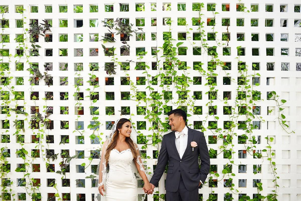 Wedding portrait trellis garden, Dreams Sands Cancun Resort, Mexico