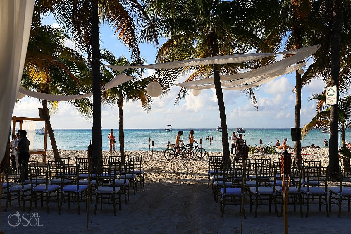 isla mujeres beach wedding photo beach at Cabanas Maria del Mar