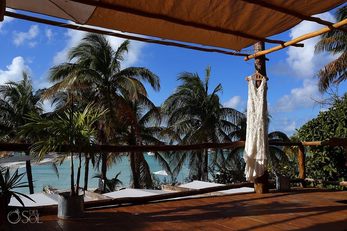 Isla mujeres destination wedding at Cabanas Maria del Mar gazebo